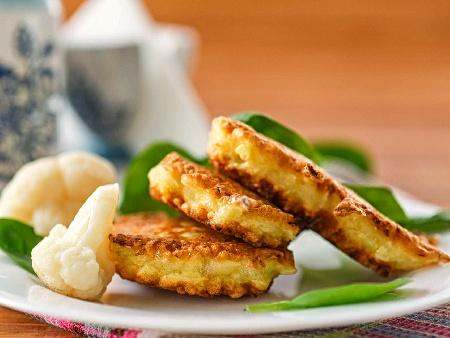 Печени вегетариански кюфтета от карфиол и кашкавал на фурна - снимка на рецептата